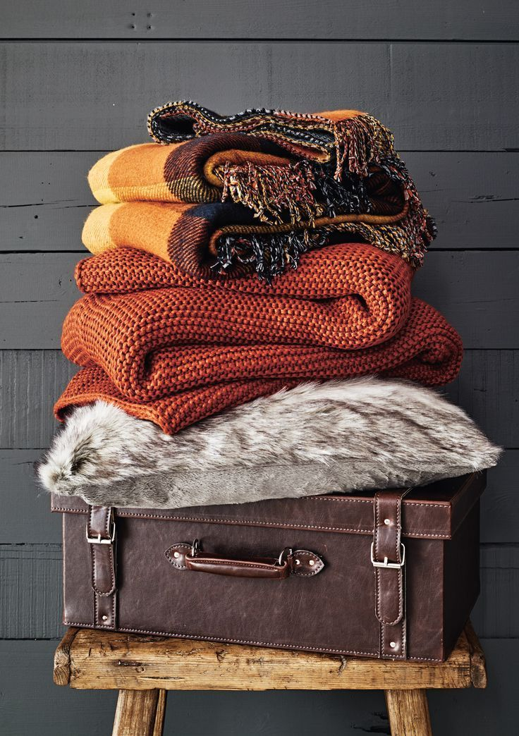 Channel ski lodge chic with chunky knit cushions and