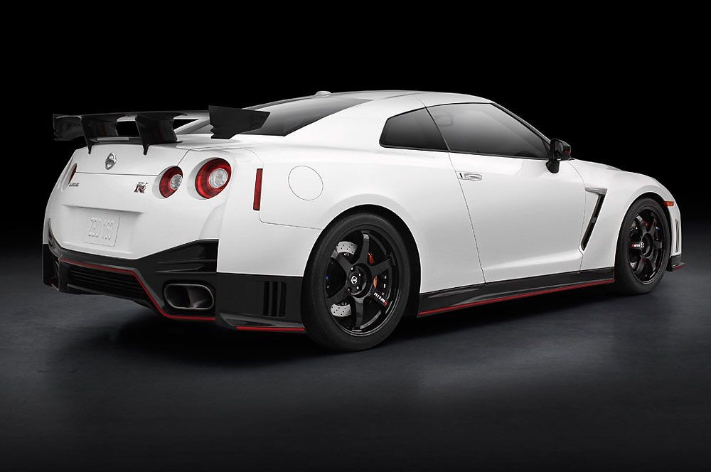 New Release 2016 Nissan Gt R 45th Anniversary Model Price And Review Nissan Gtr Nismo Nissan Gtr Nissan Gt R