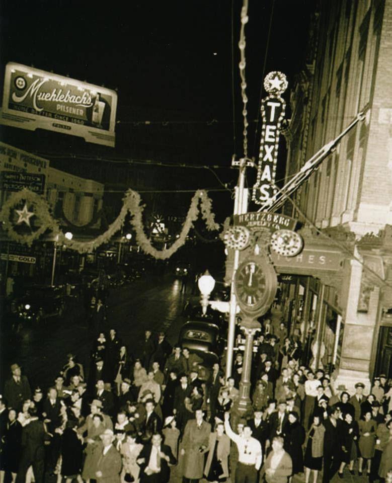 1940's San Antonio celebrating New Year's Eve at the