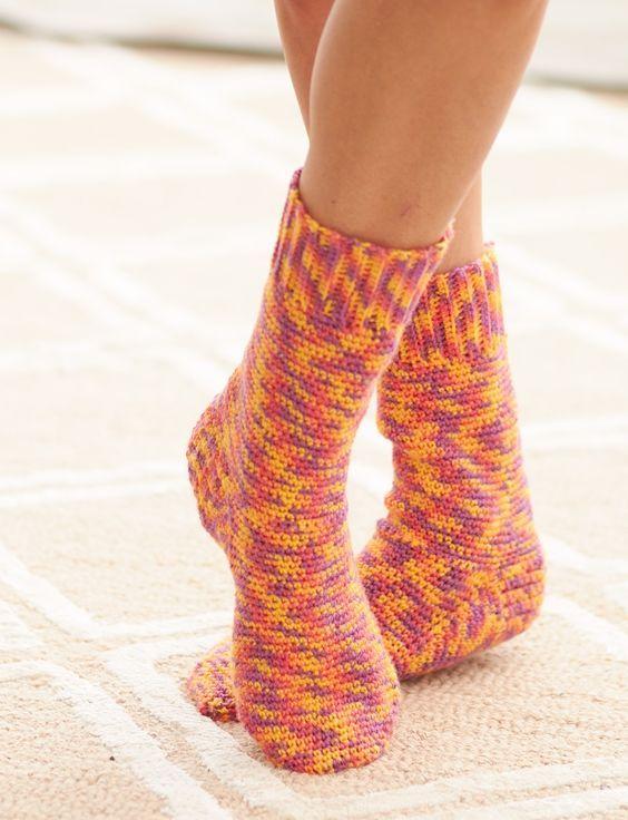 Basic Socks - free pattern - crochet   ladell   Pinterest   Socks ...