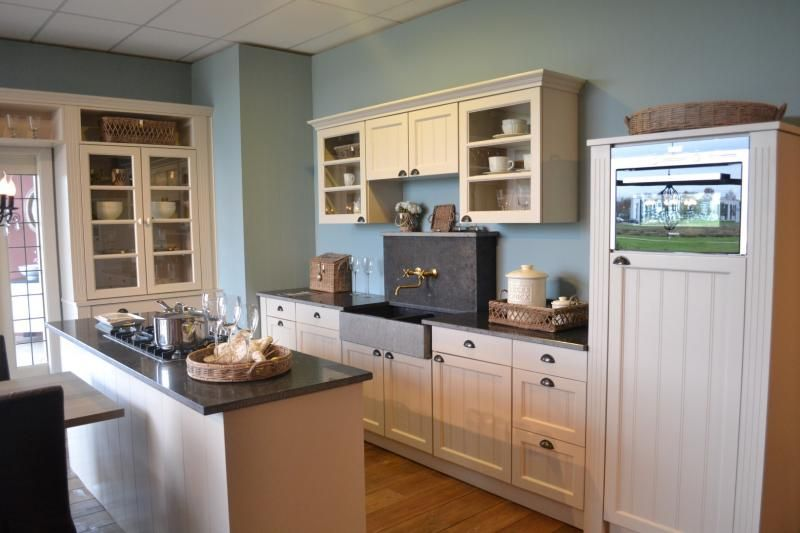 Kleine keuken houten - Klein keuken model ...