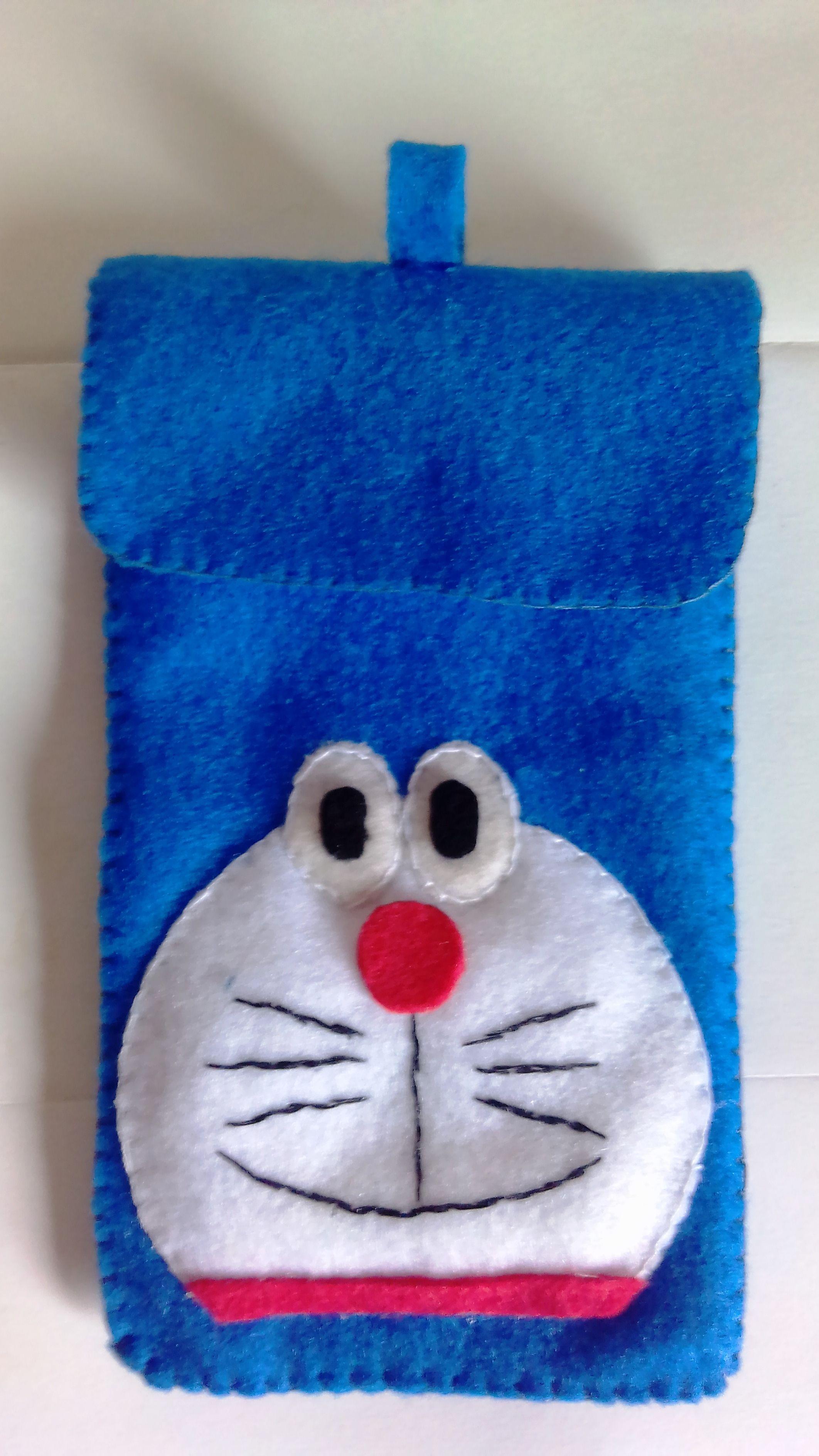 Softcase sarung Handphone motif doraemon dari kain Flanel