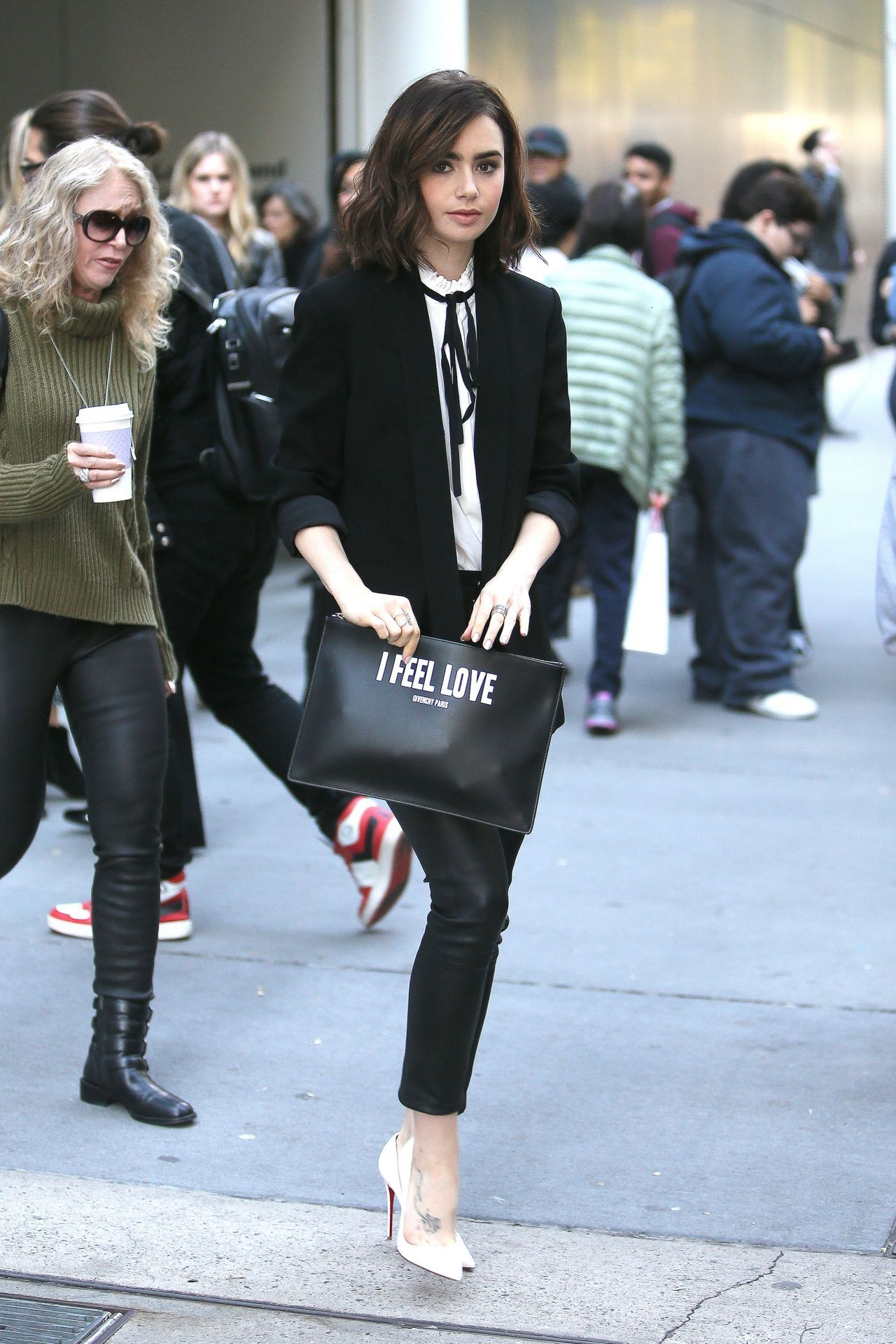 d1f014b0c908 Estilo Preppy, Lily Collins Fashion, Lily Collins Casual, Lily Collins  Style, Lily