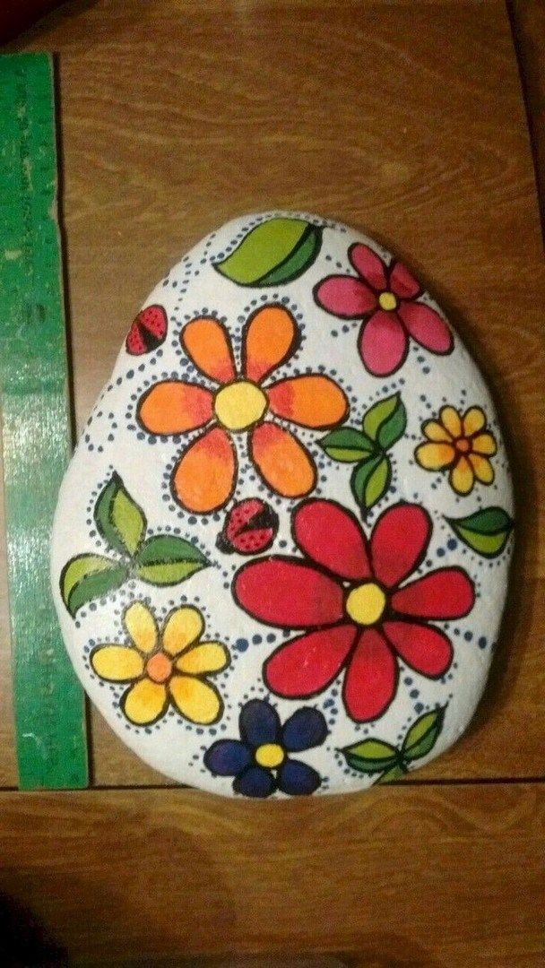 44 Beauty and Cute Rock Painting Ideas (32) is part of Rock painting flowers, Rock painting ideas easy, Rock painting designs, Painted rocks kids, Stone painting, Rock crafts - 44 Beauty and Cute Rock Painting Ideas (32)