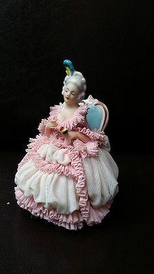Porzellanfigur, barocke Dame, Rüschenkleid
