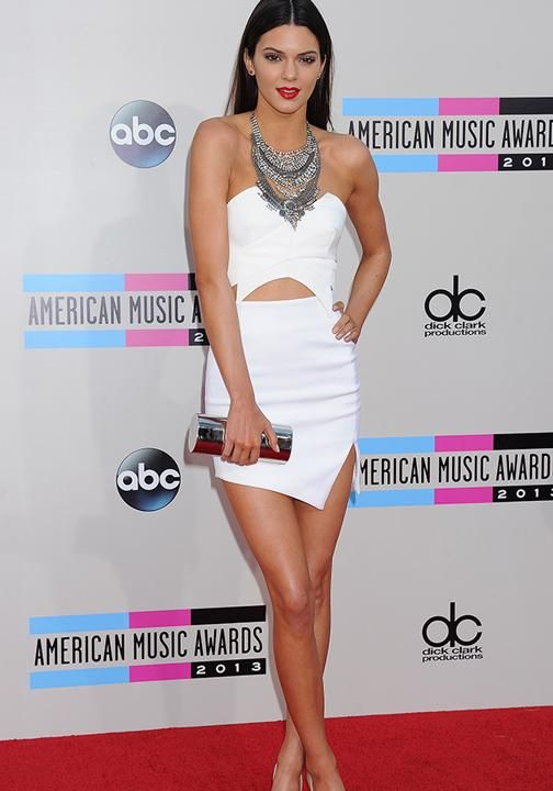7c100e4d-0891-4ca1-8e23-18f9b7948eb9_kendall-jenner-american-music-awards-red-carpet-fashion-pictures-nokia-theatre-los-angeles