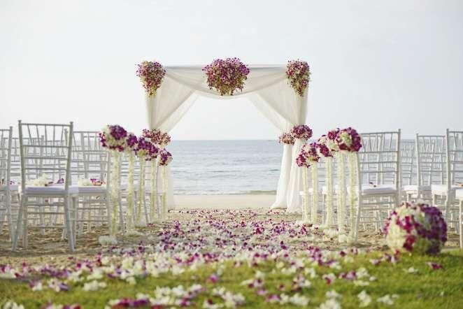 http://www.secretodelabundancia.com/como-atraer-el-amor/