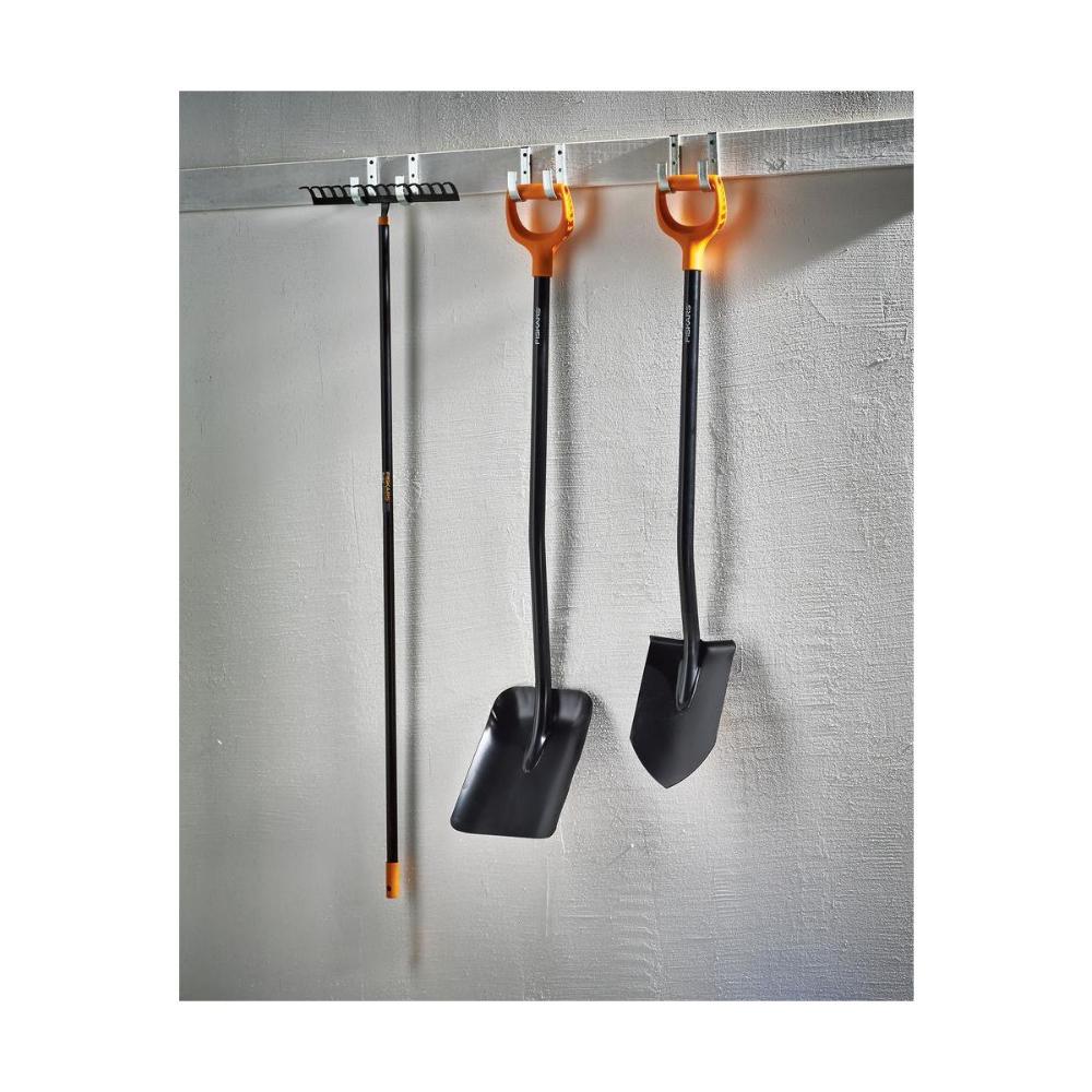 Grabie Do Trawy Fiskars Solid Szer 36 Cm Grabie W Atrakcyjnej Cenie W Sklepach Leroy Merlin Spade Shovel Garden Tools Fiskars