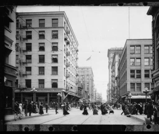View of the intersection of Fourth Street and Broadway in Los Angeles looking east, ca.1918 :: California Historical Society Collection, 1860-1960