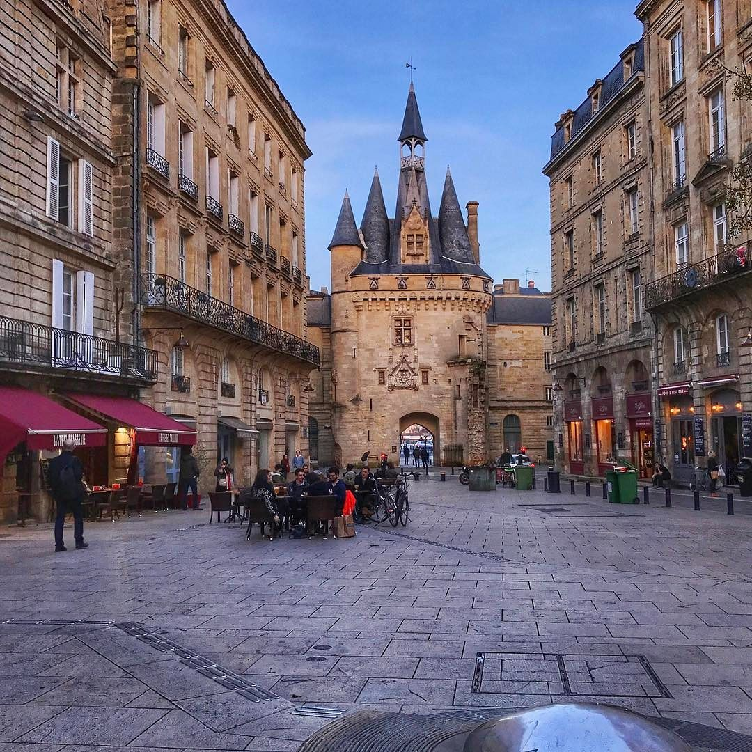 Bordeaux, region of sand and water, land of wine and pine