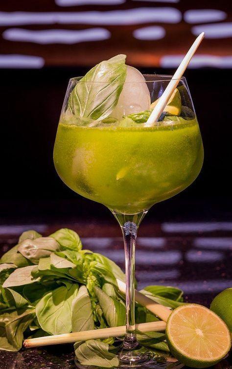 Aperol-Sprizz & Lillet waren gestern! Der neue It-Drink des Sommers heißt ...