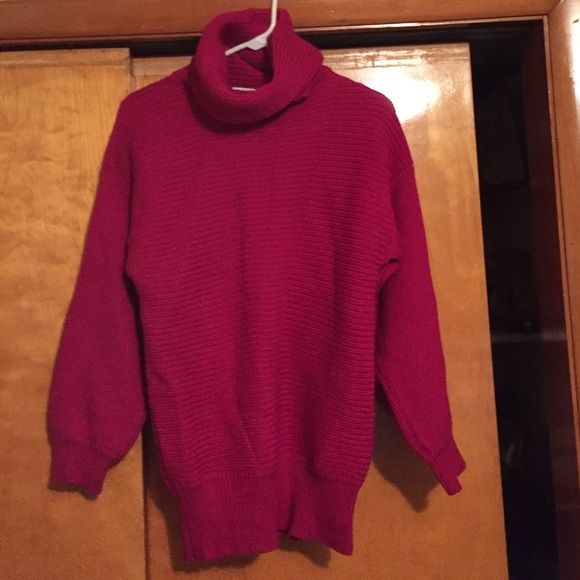 Hot pink sweater Henri Bendel size small sweater. Excellent ...