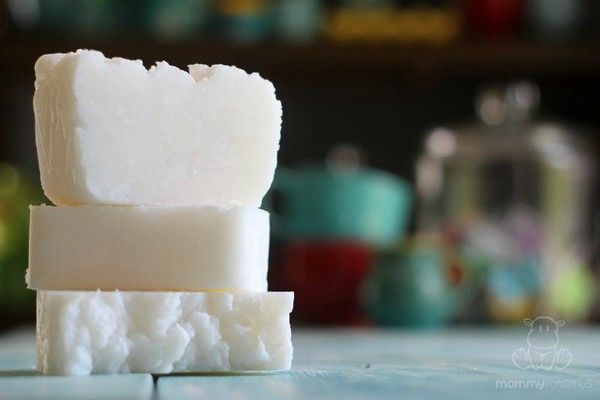 DIY coconut oil shampoo bar