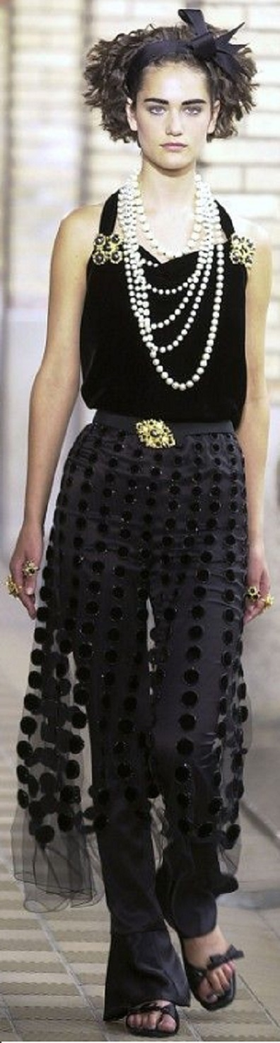 Chanel Haute Couture - fall 2001