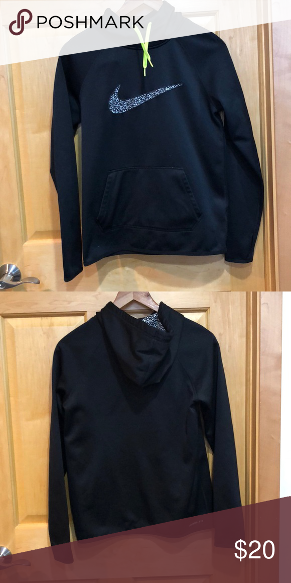 Women s Small Nike Therma-fit Hoodie Nike black hoodie with black   white  pattern accent in swoosh and good. High neck. Lime green drawstrings.  Thumbholes. 29b24bd0c5