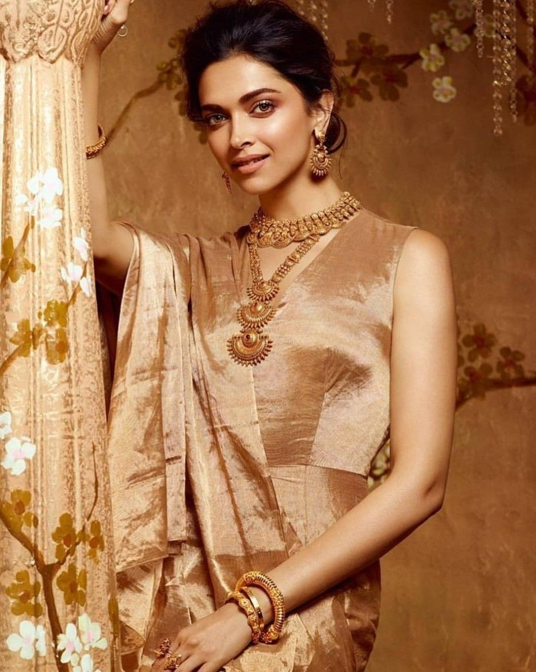 Deepika Padukone For New Utsava Collection By Tanishq Jewellery Deepika Padukone Style Fashion Tanishq Jewellery