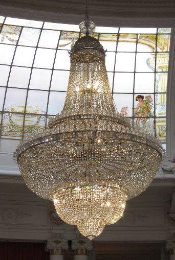 Um dos mais belos lustres de cristal baccarat foi fabricado em 1912 para o