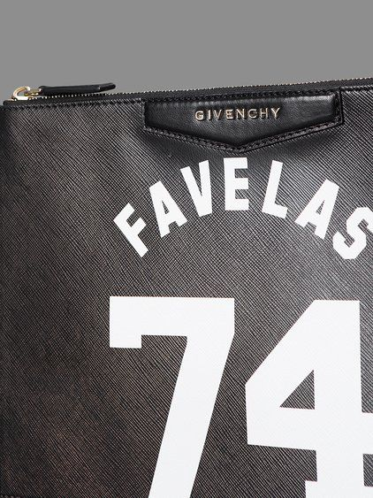 GIVENCHY 74 FAVELAS MEDIUM POUCHES WITH METAL GIVENCHY LOGO AND LEATHER COTTON CANVAS LINING HEIGHT: 29CM WIDTH: 19,5CM