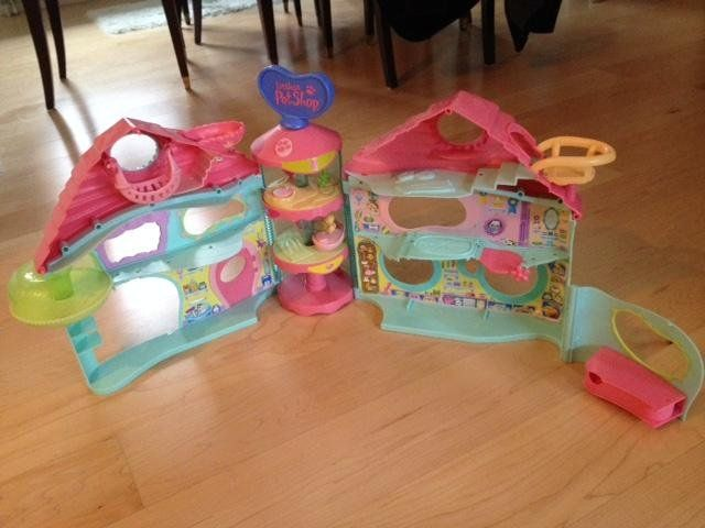 Littlest Pet Shop Rescue Tails Center ja talo LPS