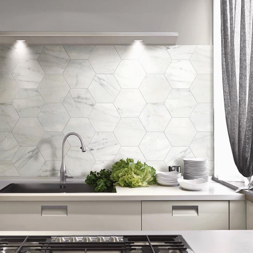 Marble hexagon tiles en suite ideas pinterest Splashback tiles kitchen ideas