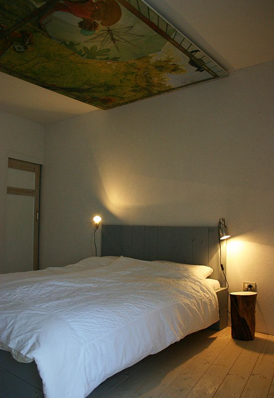 Bedroom, old recycled wood, piece of art on ceiling, relax, holiday, Italy, Le Marche.