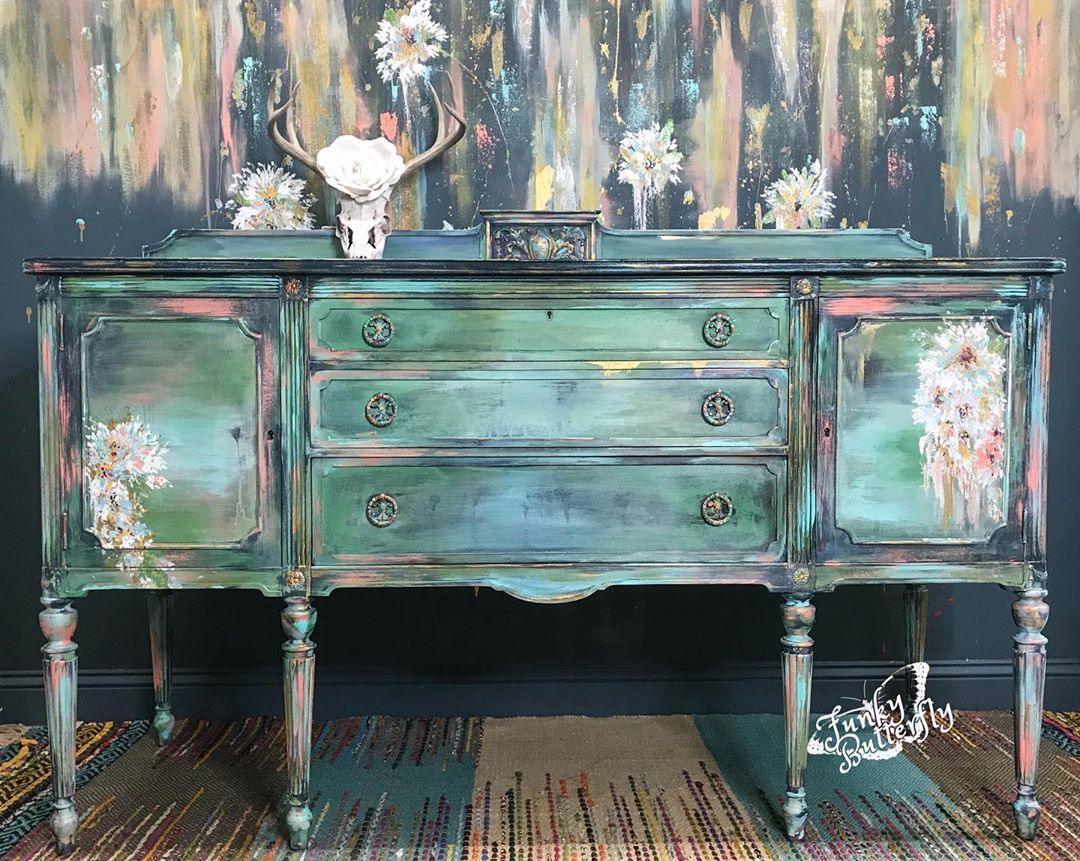 """Funky Butterfly 🦋 on Instagram: """"I have a thing for blue #paintedfurniture #diypaint #debisdesigndiary #furnituremakeover #furnitureflip #furnitureartist…"""""""