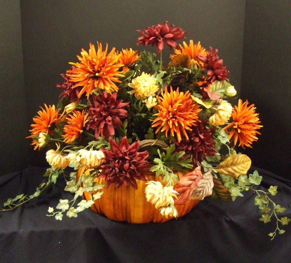 Fall floral arrangements fall floral arrangement for Autumn flower decoration