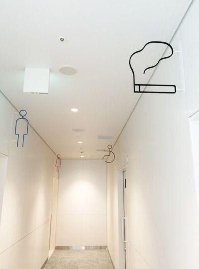 die besten 25 toiletten schilder ideen auf pinterest badezimmer regeln badezimmer spr che. Black Bedroom Furniture Sets. Home Design Ideas