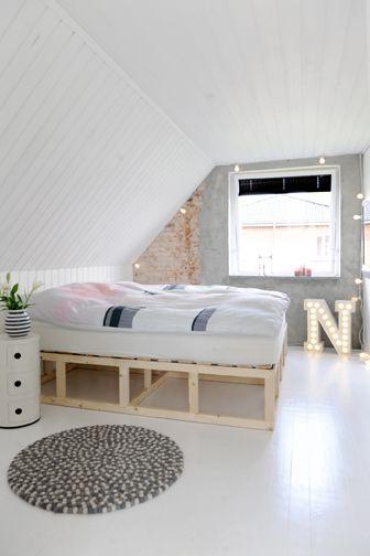 Una casa en gris y rosa pastel - Decorar mi casa Bedroom