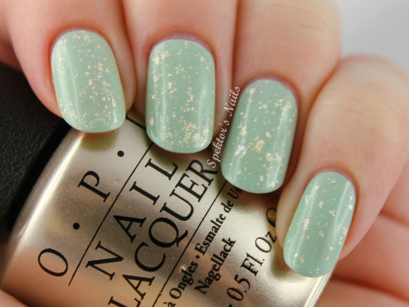 I like this particular mint and gold combination | New nail look ...