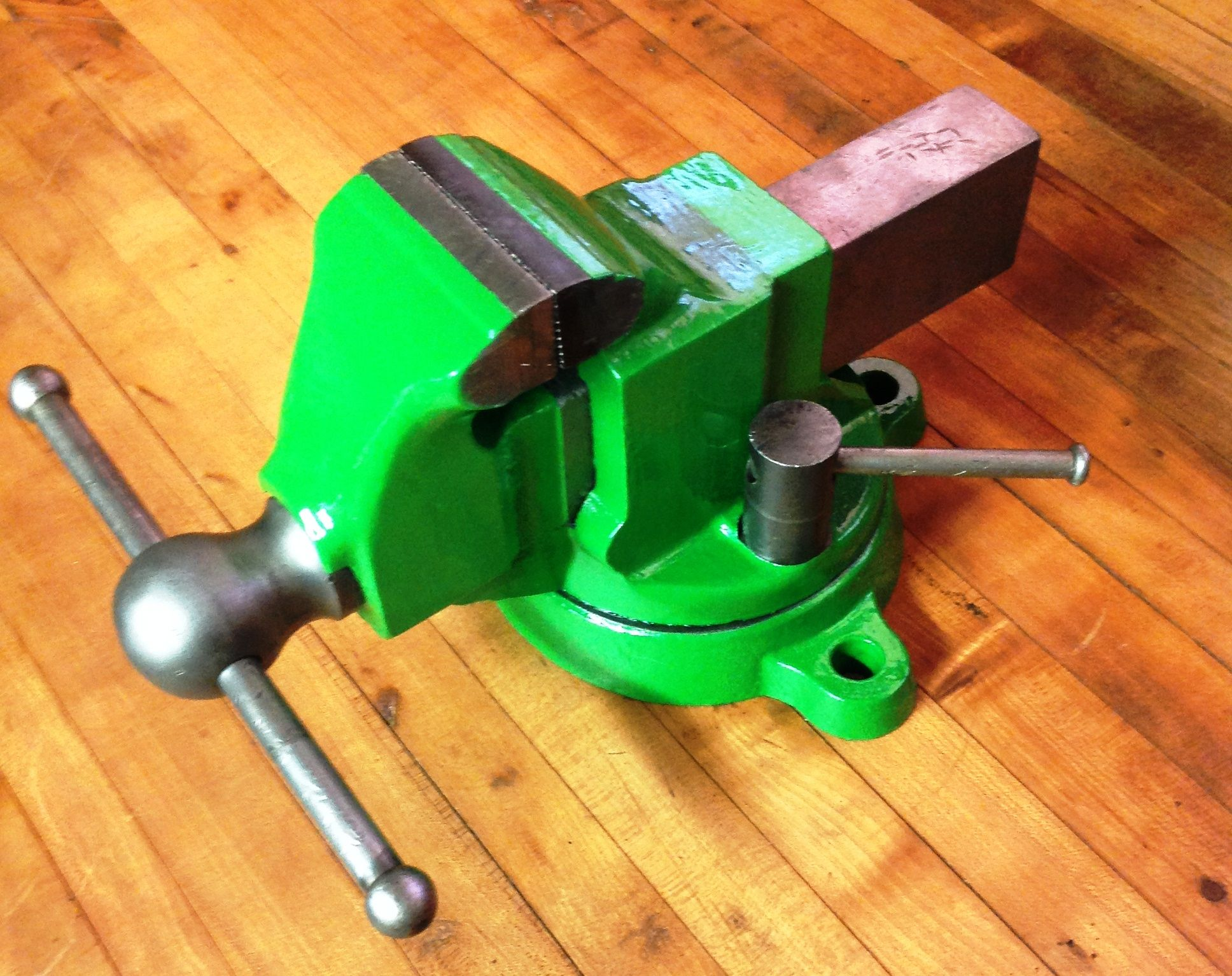 A Quality Restoration Of A Rock Island 571 Bench Vise With 4 Inch Jaws Nice Job Mark Woodworking Vise Woodworking Blueprints Woodworking