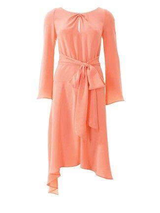 Kleid mit schlitz nahen