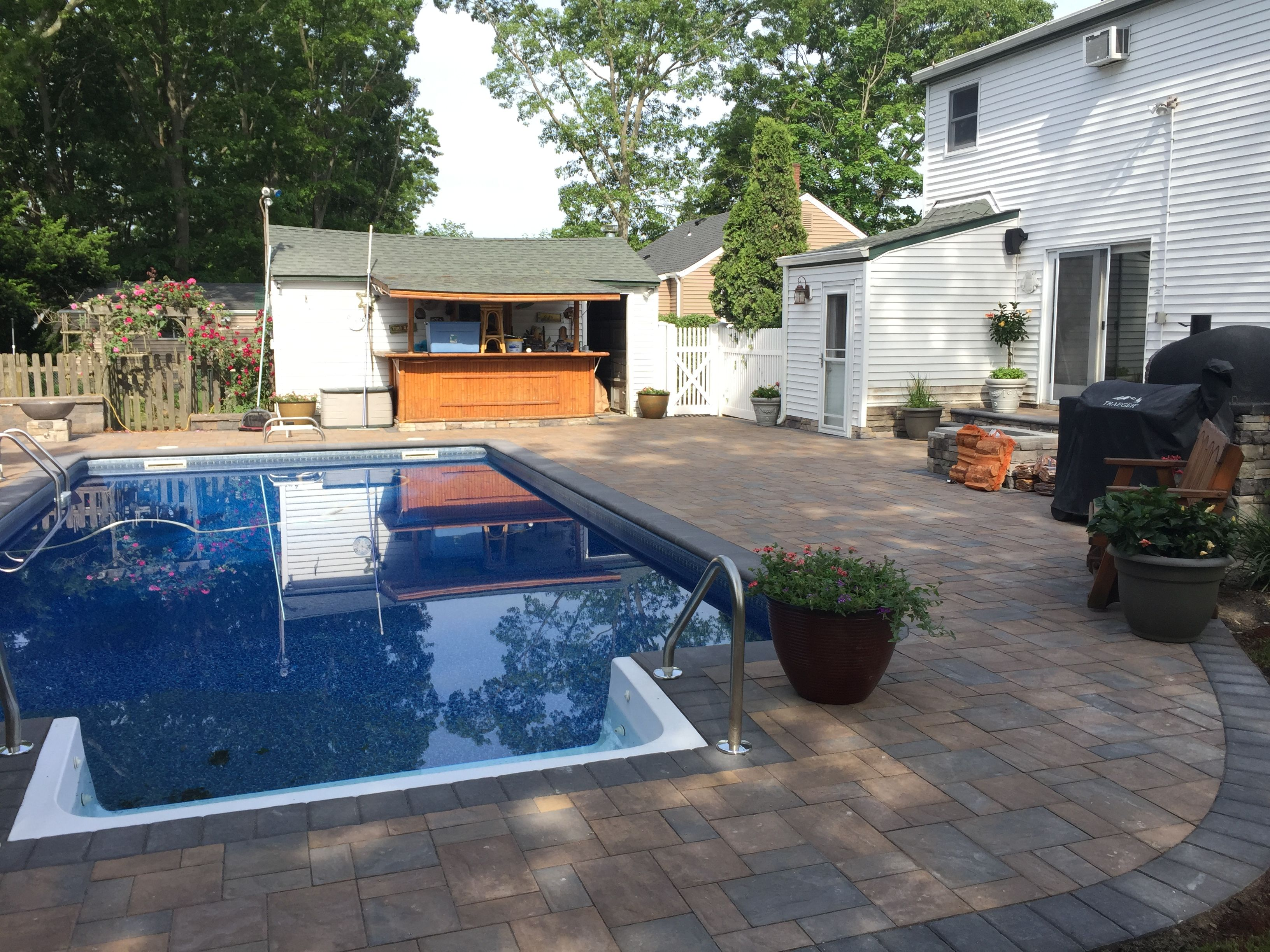 East Islip, Ny 11730  #Pool #Outdoorliving #Brickoven #Firepit #Firetable
