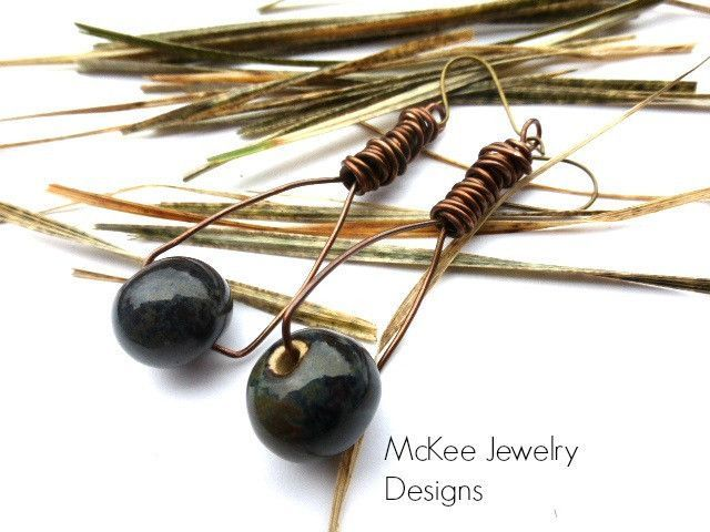 Cute diy bead earring inspiration - dark beads and copper wire | New ...