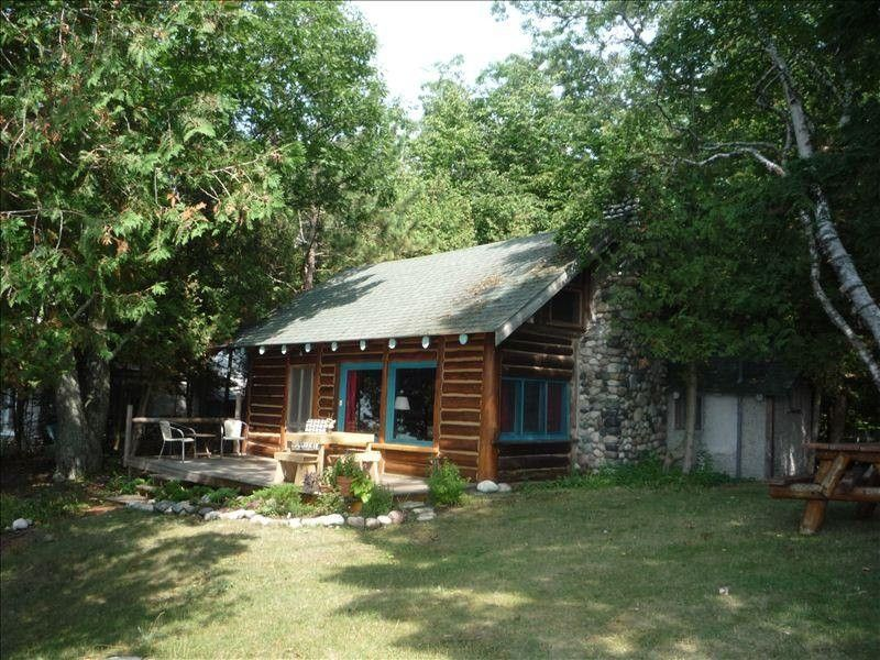 Vrbo Com 56071 Cozy Lake Michigan Good Hart Log Cabin Beachfront Cabin Cottage In The Woods Cabin Vacation