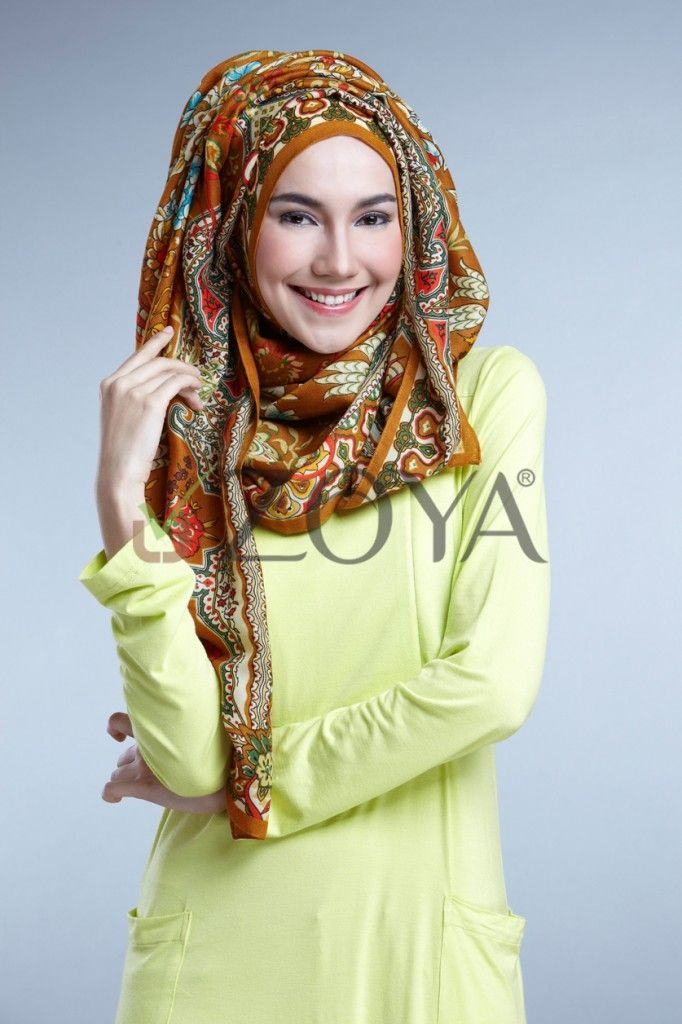 Zoya Hijab Indonesia Love The Colors Sharf