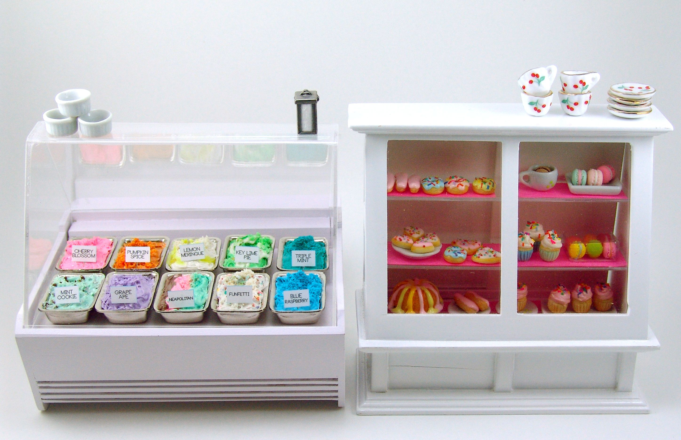 Dollhouse Miniature Ice Cream Case And Pastry Case By The