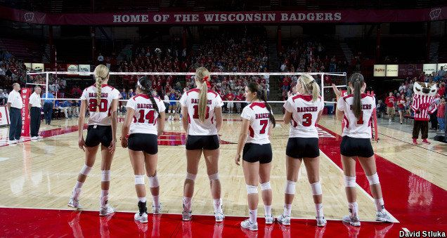 Wisconsin Volleyball Makes It To The Final Four Ncaa Volleyball Tournament Volleyball Inspiration Wisconsin Badgers Badger Volleyball