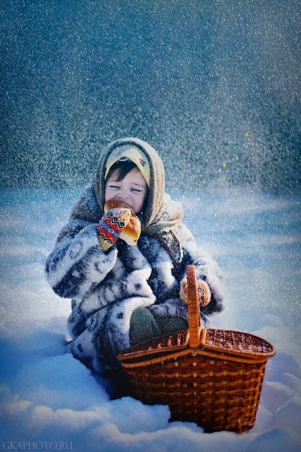 Russian Winter Picnic. Wish my childhood was like this