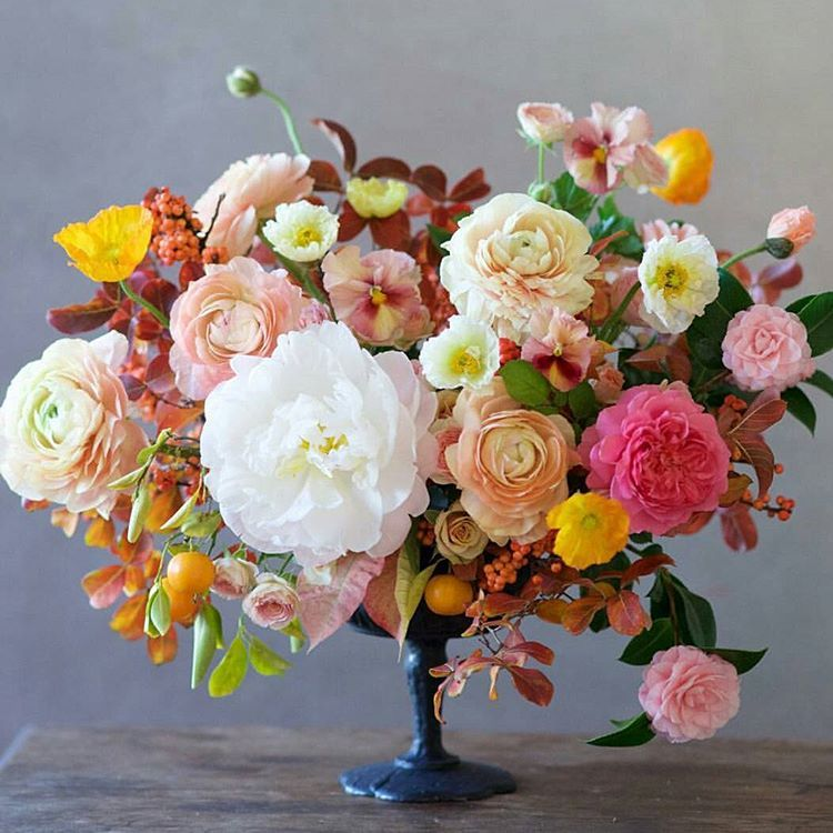 Wedding Flower Meaning: The Flower Color Meanings In Your Wedding Bouquet