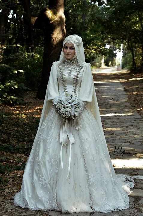 فساتين زفاف للمحجبات Majallati مجلتي In 2021 Muslim Wedding Dresses Muslimah Wedding Dress Muslim Bride
