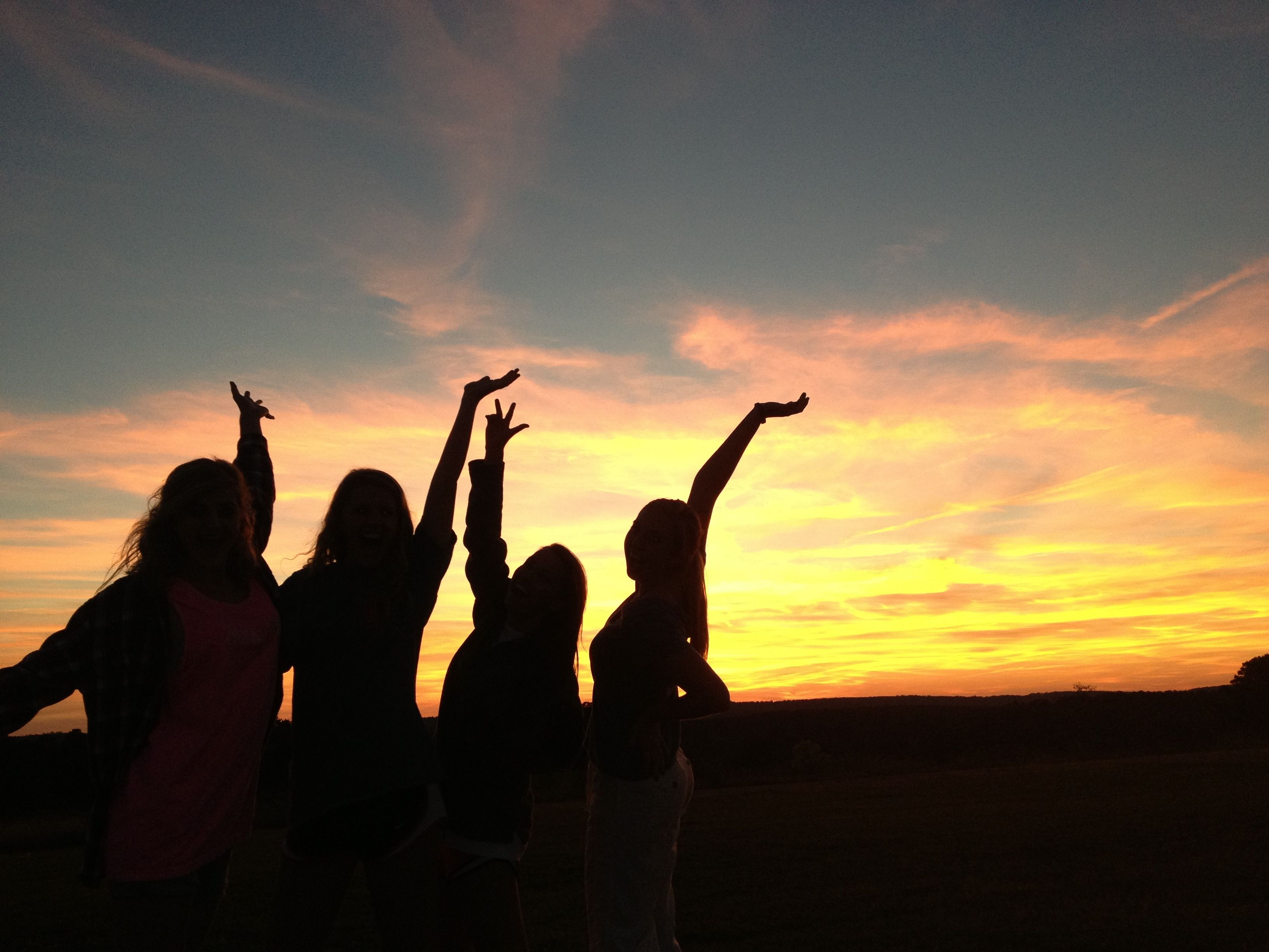 Sunsets With Friends Sunset Best Friends Strike A Pose