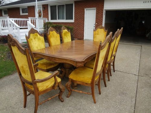 Pulaski Furniture Dining Room Set Table Chairs 1970s