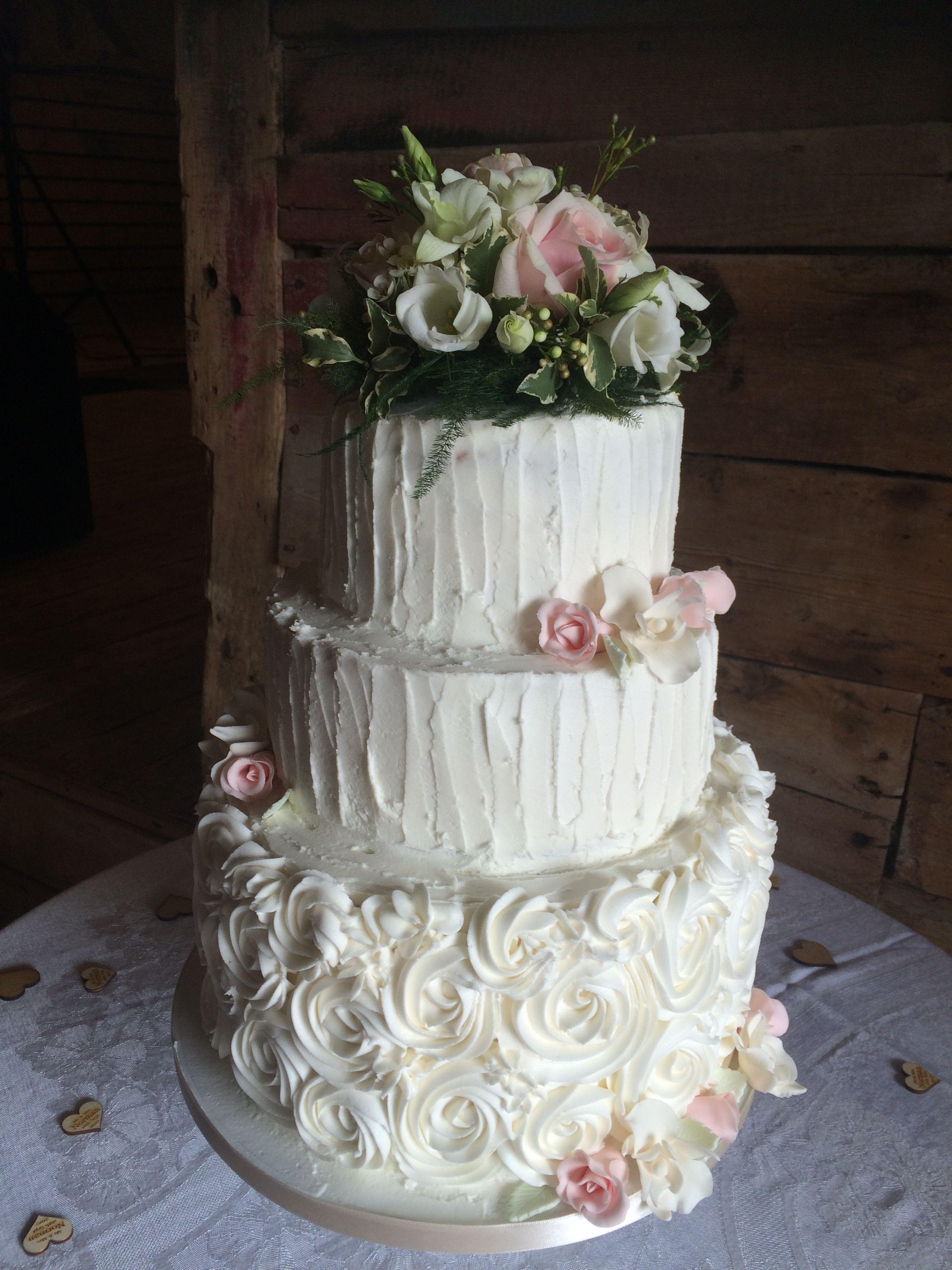 Fresh flower sugar flower soft iced gluten free wedding