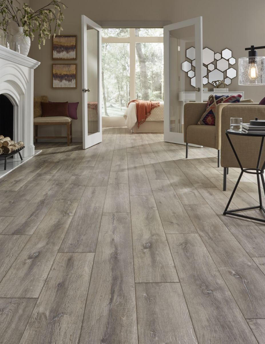 Mannington Restoration Blacksmith Oak Steam Laminate Flooring 1 2 X 7 9 16 X 50 1 2 In 2019 Diy White Oak Floors Oak Laminate Flooring Home Decor
