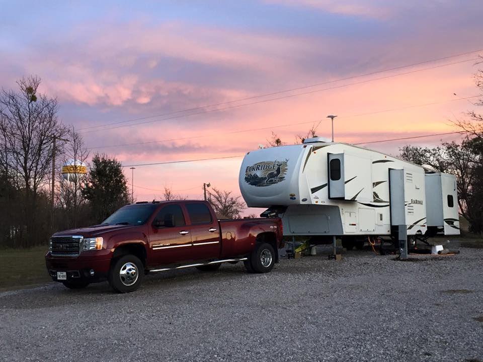 The Dorsey Family Is Enjoying 70 Degree Weather With Their Polished Elkridge It Looks Beautiful Erika Thanks Rv Lifestyle Recreational Vehicles Elkridge