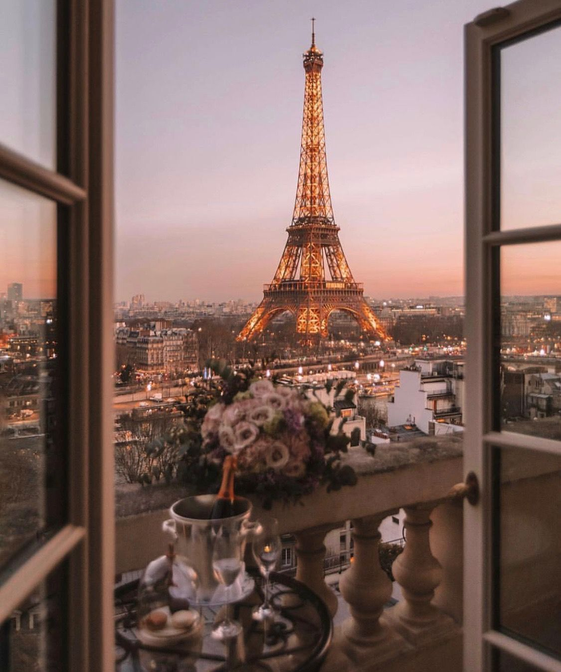 Image by Mariono Boutique on TRAVEL Paris wallpaper