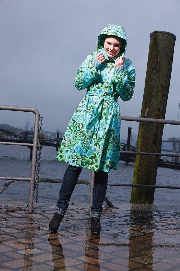 Regenmantel mit Strickfutter | Alice in Wonderland