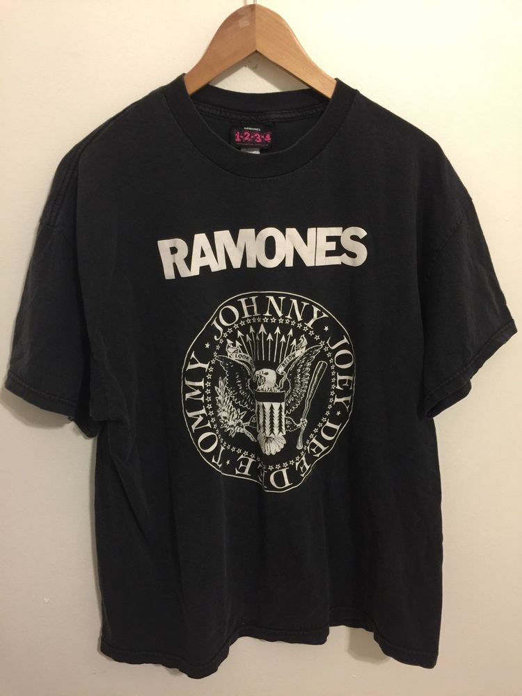 2e9c6061 Vintage Ramones 1-2-3-4 Distressed Faded Black Band T-shirt XL 80's Punk  #1234 #ShortSleeve