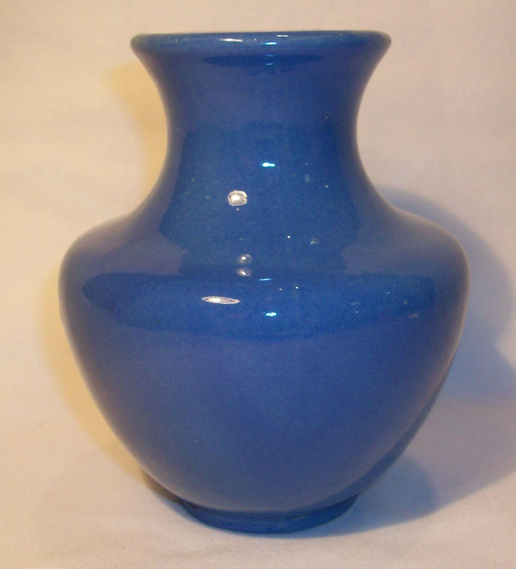 Vintage camark pottery vase vintage pottery from jens vintage vintage camark pottery vase reviewsmspy